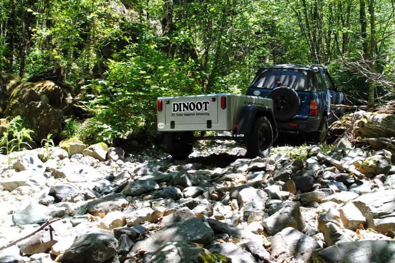 Jeep Trailer off road Dinoot-diy-trailer on the trail in Santiam Forest